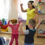 Физкультура в частном детском саду в Гродно Зеленая дверца